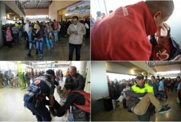Estampida por acceder a la feria de vivienda en Bogotá deja 15 heridos