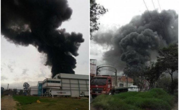 Incendio en fábrica de Fontibón afectó el occidente de Bogotá