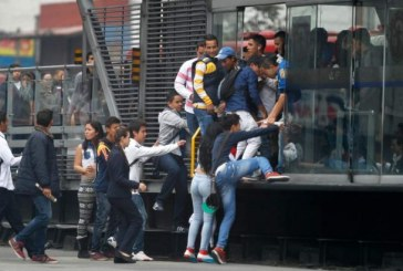"""""""Los colados en TransMilenio le están robando recursos a los ciudadanos más pobres"""": Peñalosa"""