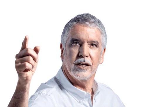 ¿Es usted macartista doctor Peñalosa?