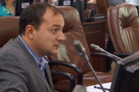 Ante la falta de argumentos les toca acudir a las tinterilladas, a las leguleyadas a las marrullerías jurídicas, para tumbar el proceso de revocatoria al alcalde: Concejal Sarmiento
