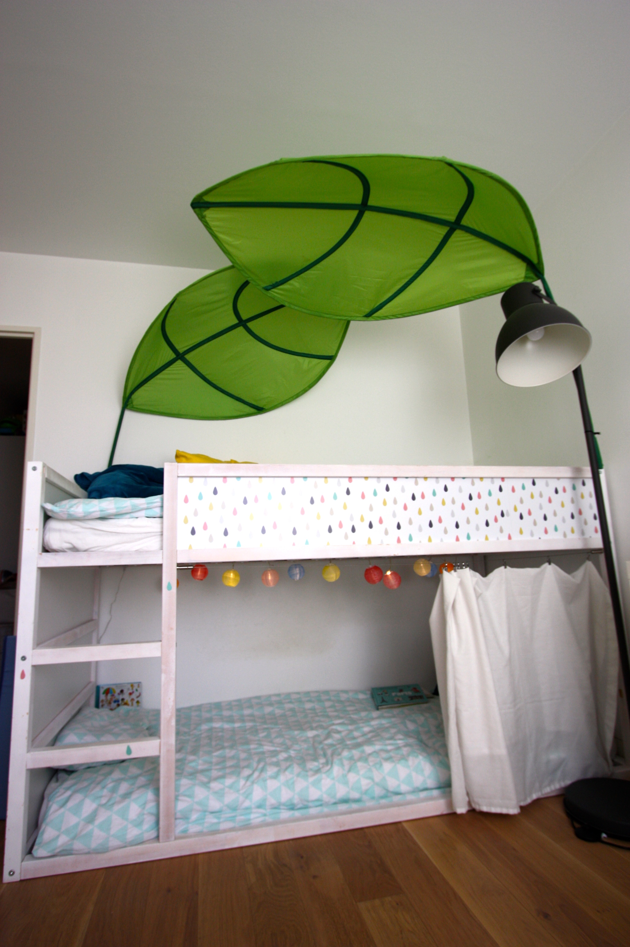 Un Lit Kura Pour Nos Petits Gars Ikea Hack Les Vies D