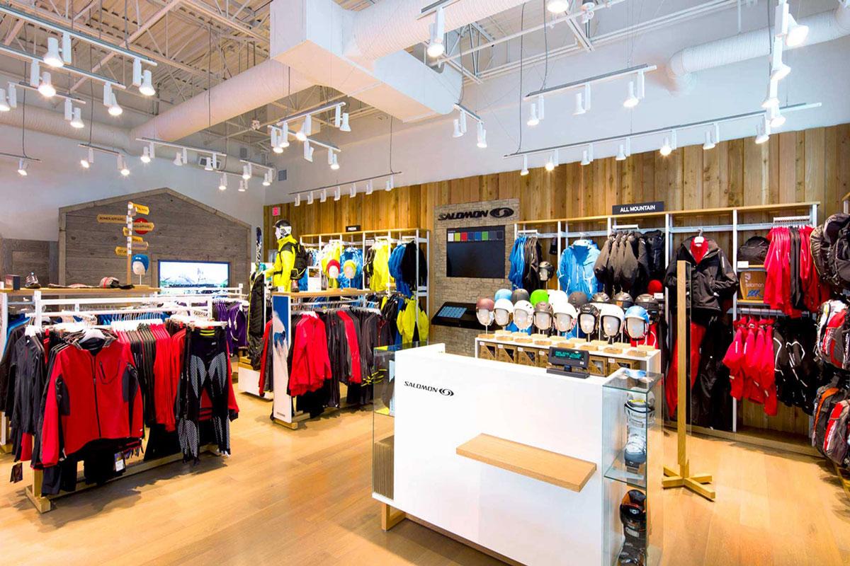 thiết kế nội thất cửa hàng thể thao