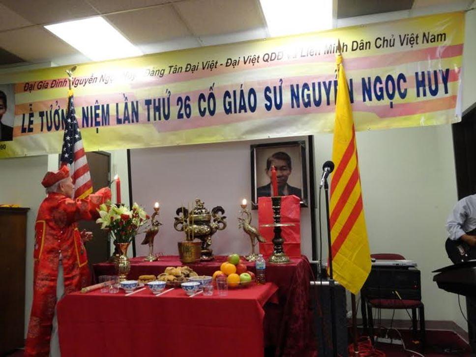 Sacramento Tưởng Niệm Cố Giáo Sư Nguyễn Ngọc Huy