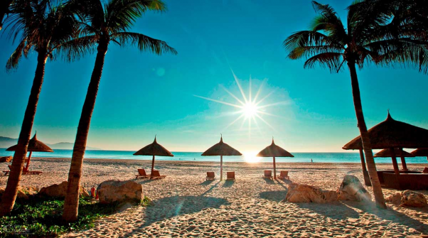 During your stay here, you must visit the beach!