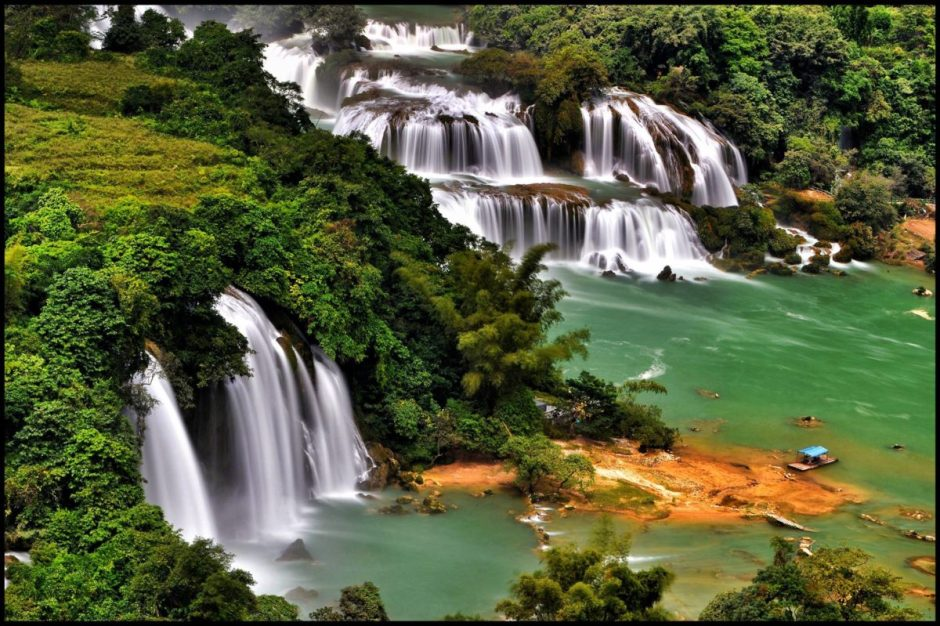 EASY VIETNAM NORTHEAST ADVENTURE TOUR