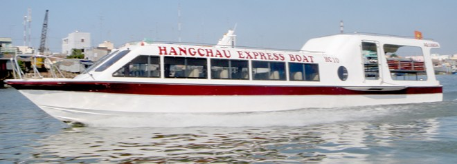 Vietnam Tour to Cambodia By Boat from Chau Doc to Phnom Penh
