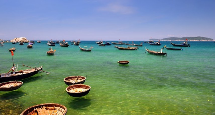 VIETNAM BEACH BREAK IN DA NANG - HOI AN - HUE