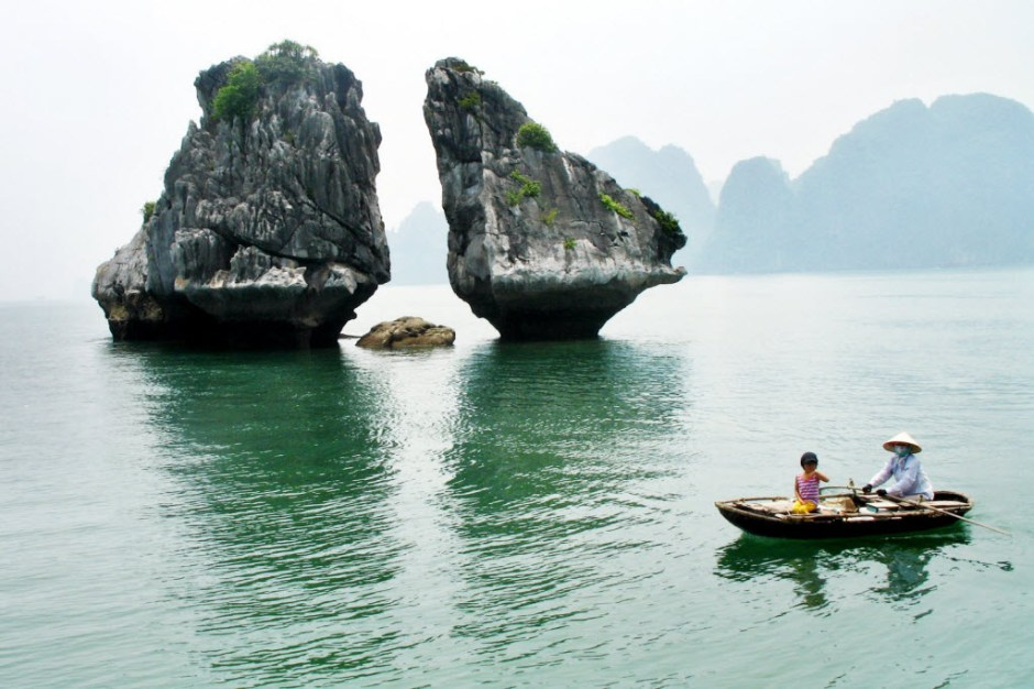 Vietnam Sightseeing Tour from Saigon, Nha Trang, Hoi An to Hanoi