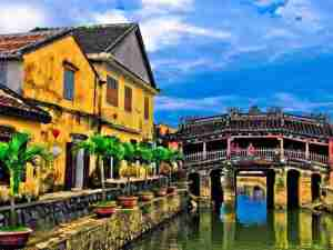 Low Budget Vietnam Tour from Hanoi to Halong, Hoi An, Saigon