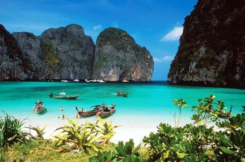 AMAZING KRABI BEACH TOUR FROM BANGKOK
