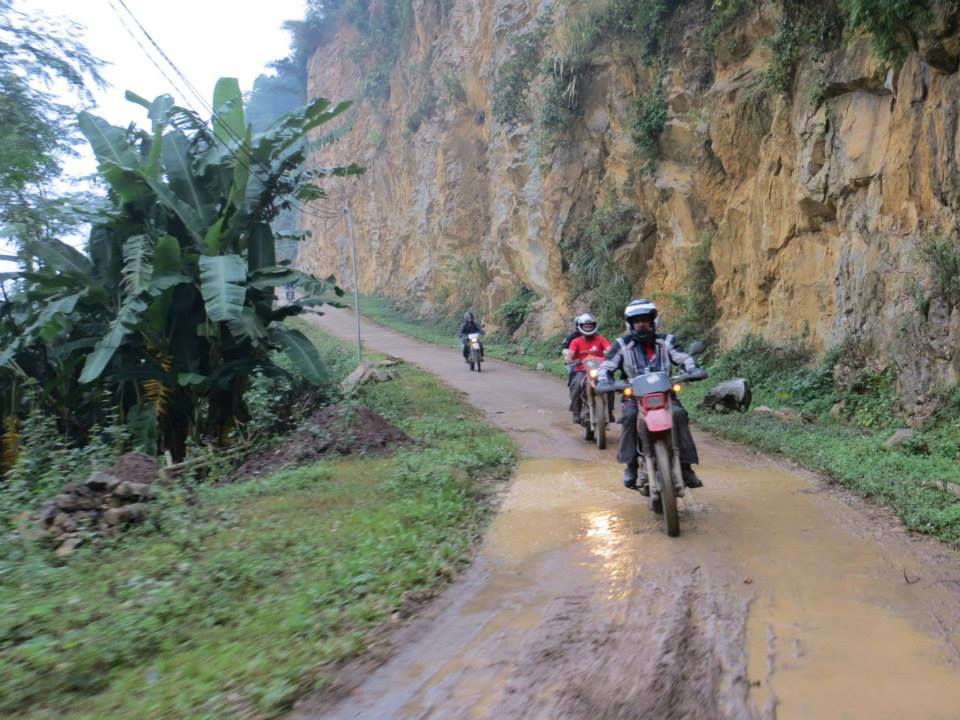 SHORT NORTH-WEST VIETNAM MOTORBIKE TOUR TO THAC BA