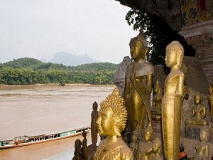 Laos Short Tours in between Vientiane and Luang Prabang for 4 Days