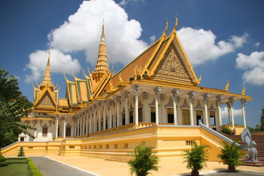 HIGHLIGHTS OF VIETNAM AND CAMBODIA TOUR