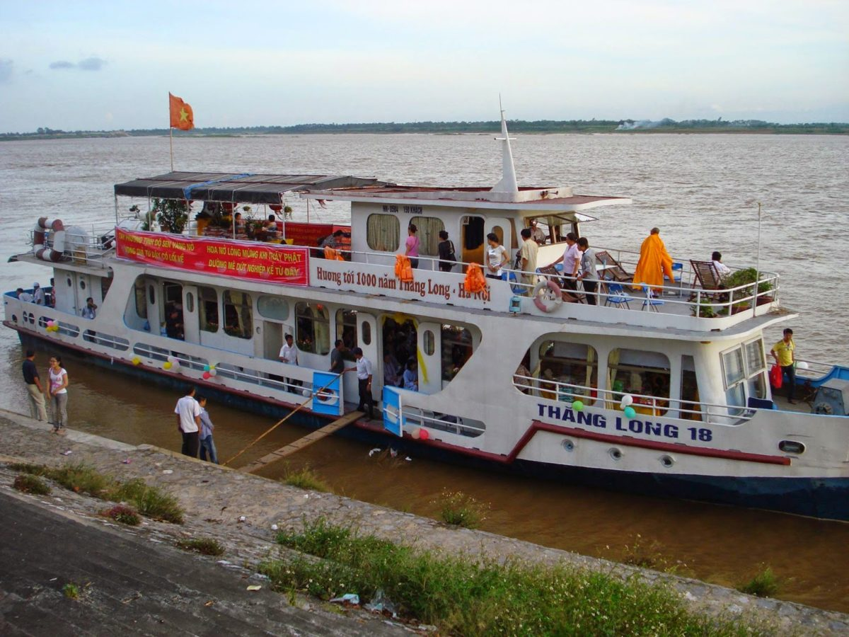 ONE DAY HANOI BOAT TRIP ON RED RIVER CRUISE