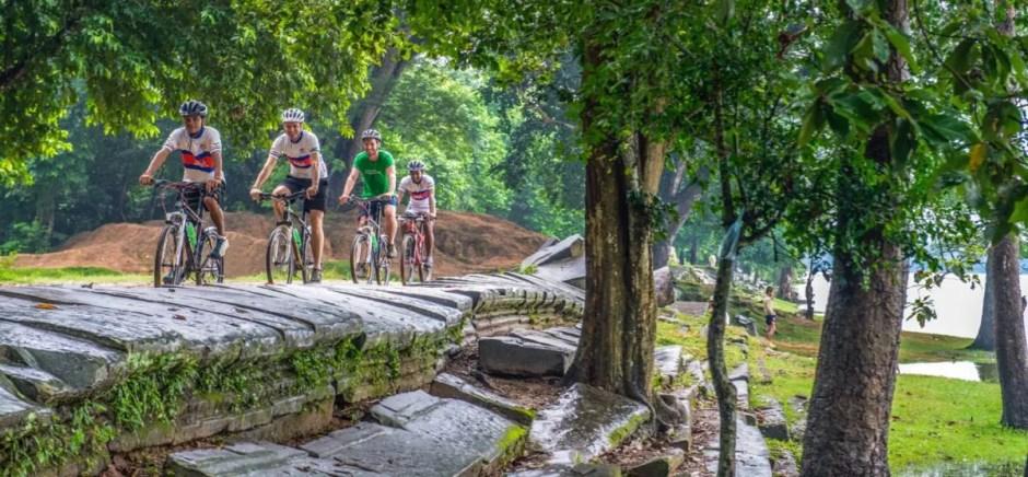 PHNOM PENH CYCLING TOUR TO ANGKOR WAT