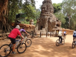 Cambodia Biking Tours: Phnom Penh Cycling Tour To Angkor Wat