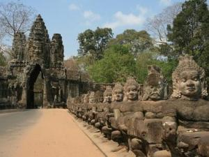 10 day tour in Vietnam & Cambodia