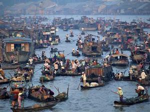 Cambodia Downstream Cruise Tour to Vietnam by Toum Tiou - 8 Days