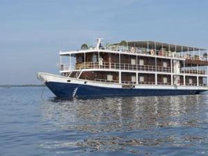 Phnom Penh Cruise Tour to Ho Chi Minh City by Toum Tiou