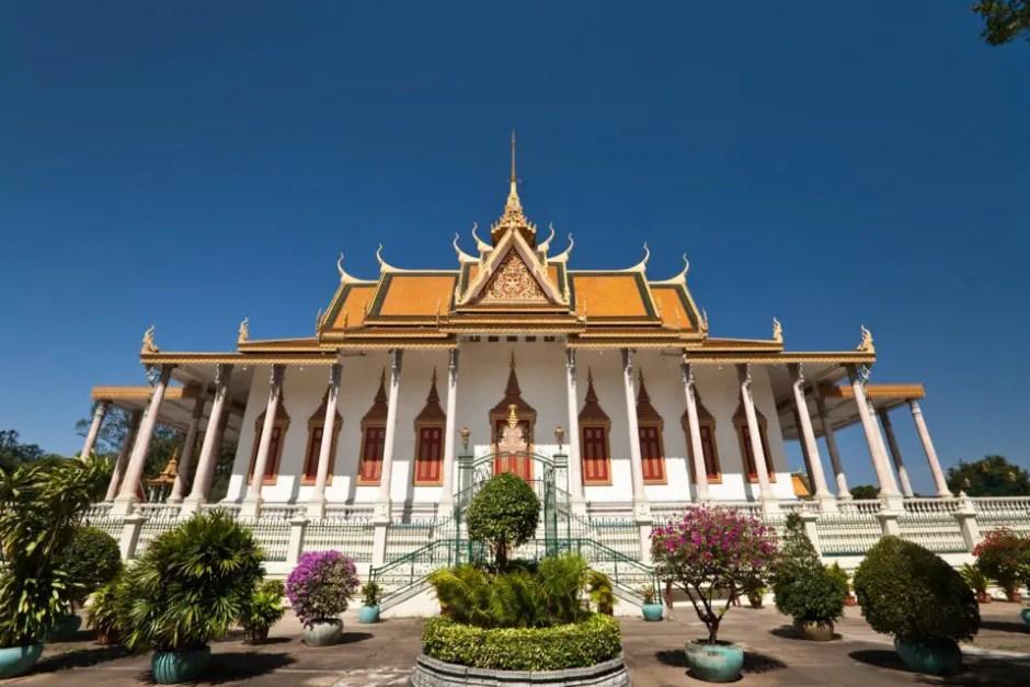 Avalon Angkor Downstream Cruise Holiday from Siemreap to Saigon