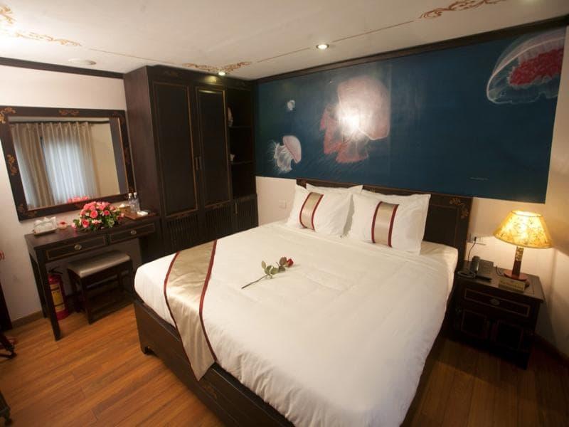 3-Day Halong Bay Holiday on Huong Hai Sealife Cruise