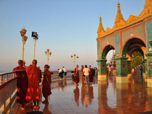 10-Day Myanmar Tour