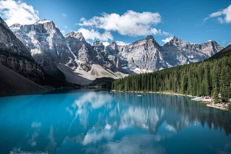 The Moraine Lake in Canada