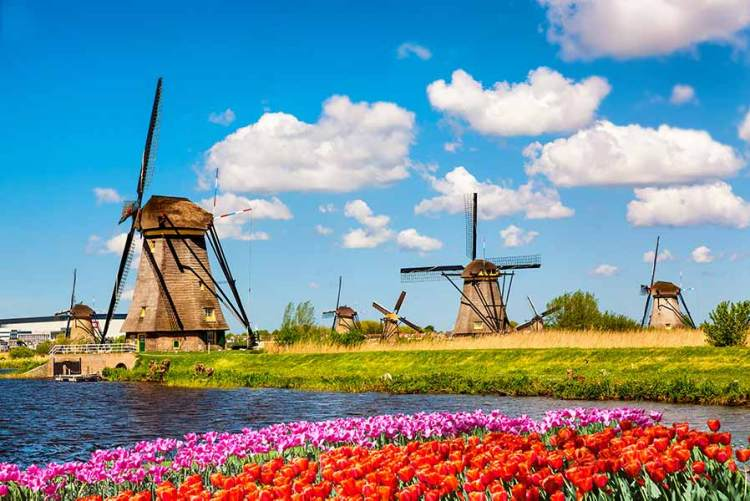 The windmills of Netherland