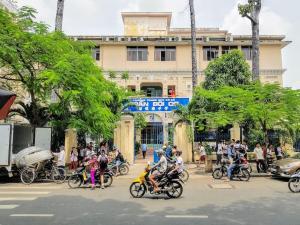 Vietnam_hochiminh_dist5_Cholon_School (1)