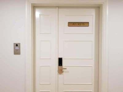 hcmc-binhthanh-vinhomes golden river-door-ホーチミン-ビンタン区-ビンホームズゴールデンリバー-ドア