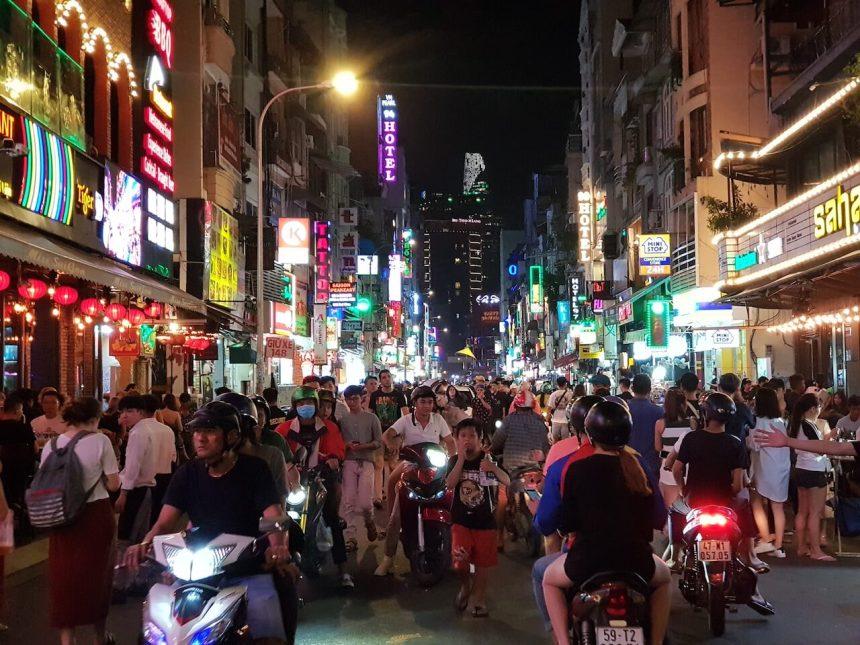 ベトナム_ホーチミン_1区_ブイビエン通り_Vietnam_HCMC_Dist1_BuiVien St. (1)