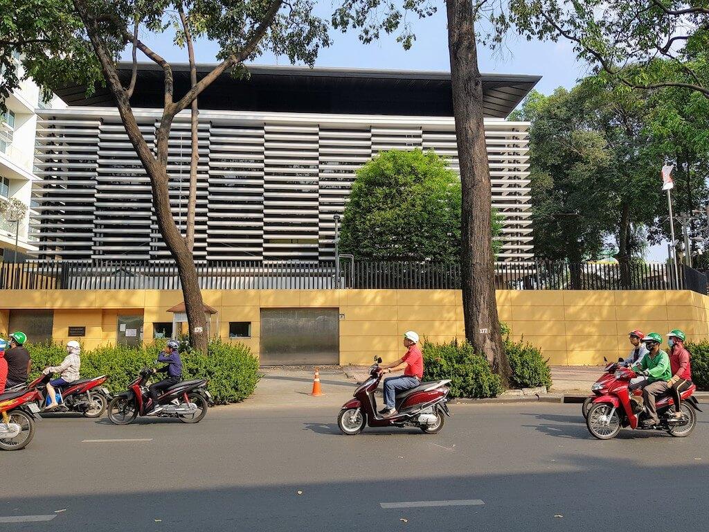Vietnam_Hochiminh_Consulate General Japan _ベトナム_ホーチミン_在ホーチミン日本国総領事館 6 (1)