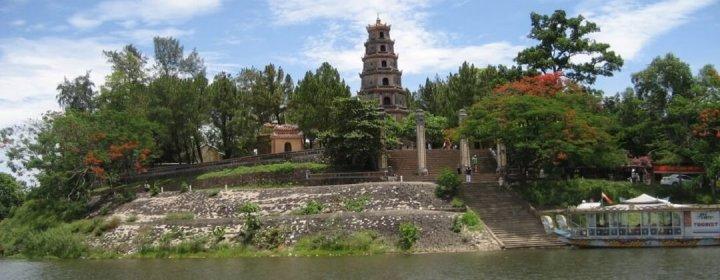 Perfume River + Thien Mu Pagode – Hue