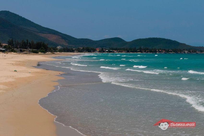 Пляж Jungle Beach недалеко от Нячанга