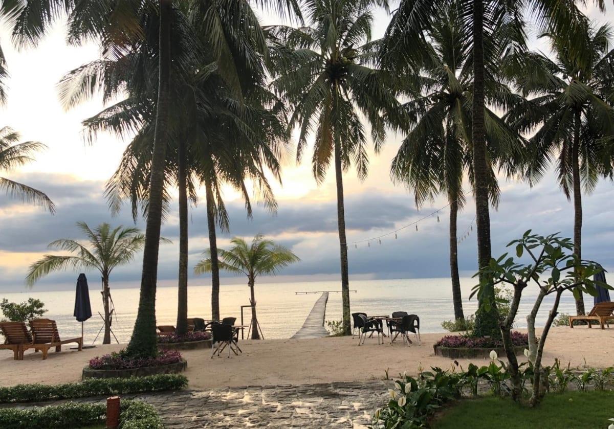 Ham Ninh Beach