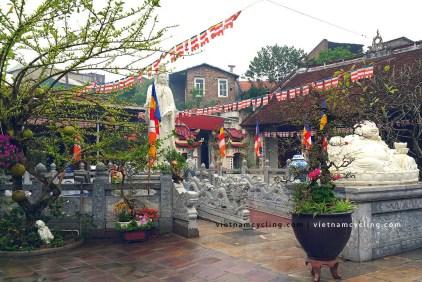 hanoi bat trang ceramic village photo 1
