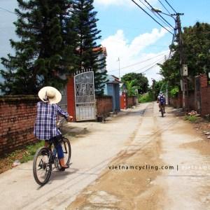 bike mekong delta vietnam 12
