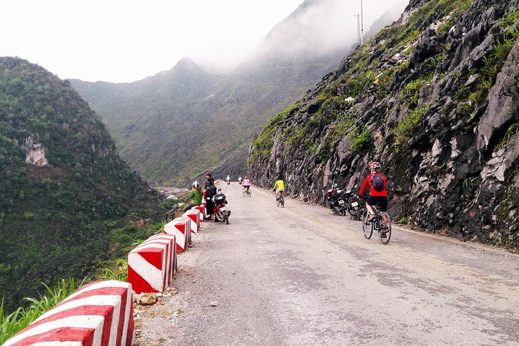 cycle ha giang northeast vietnam