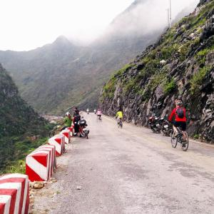cycle ha giang northeast vietnam