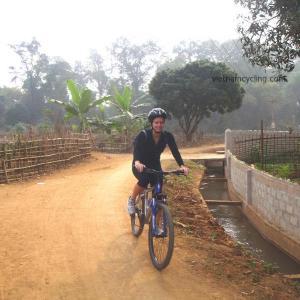 cycling mai chau, vietnam