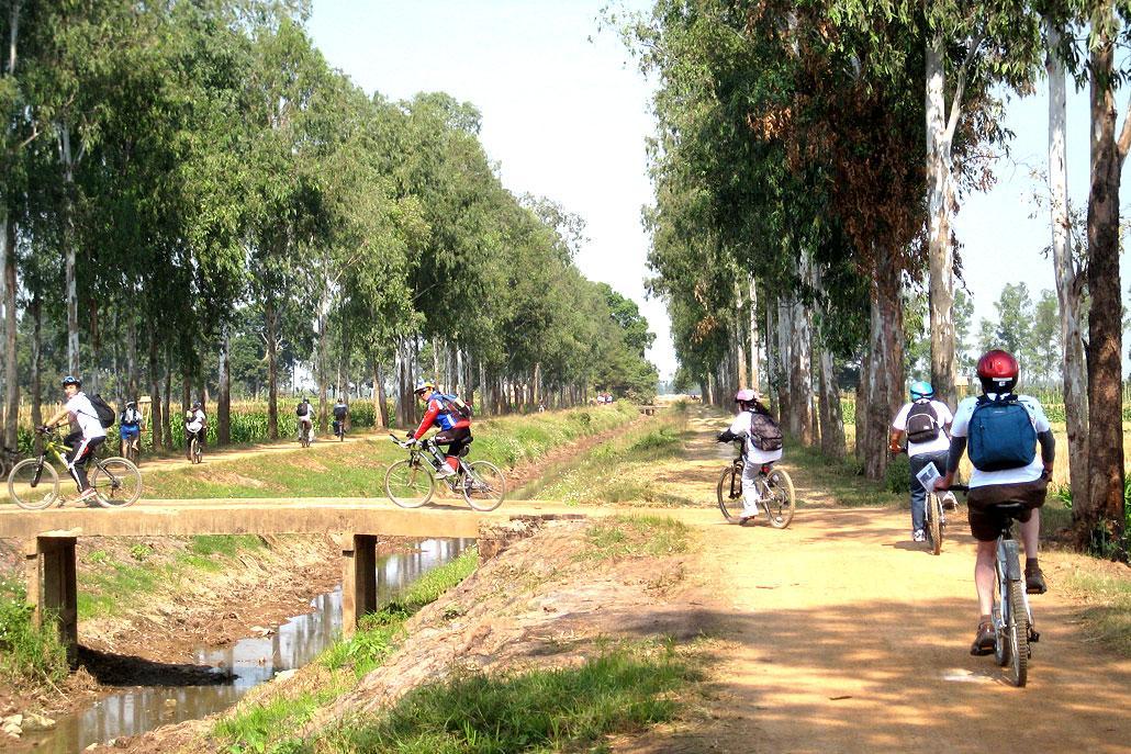 cycling hanoi, thay, tay phuong pagoda