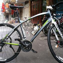 giant anyroad bike, hanoi vietnam