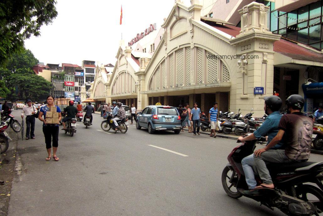 hanoi old quarter, dong xuan market