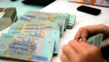 VN Central Bank takes steps to downsize foreign currency credit