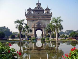 Patuxay Monument in Vientiane - Gallery : Laos attractions in photos