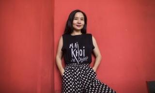 Ca Si Mai Khoi - Mùa hè không yên ả – Cuộc đàn áp người bất đồng chính kiến lớn nhất trong nhiều năm qua - Musician Mai Khoi at a Hanoi cafe on 19 August