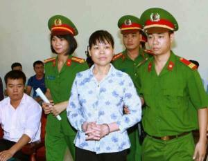 Can Thi Theu at her trial. Source_ Facebook Trinh Ba Phuong - VIETNAM VOICE