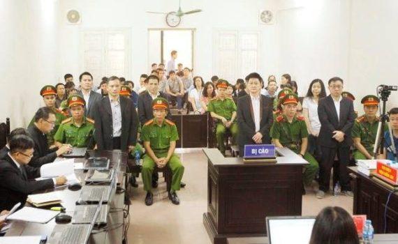 Quang-Canh-Phien-Toa-xet-xu-Hoi-Anh-Em-Dan-Chu_VIETNAM-VOICE