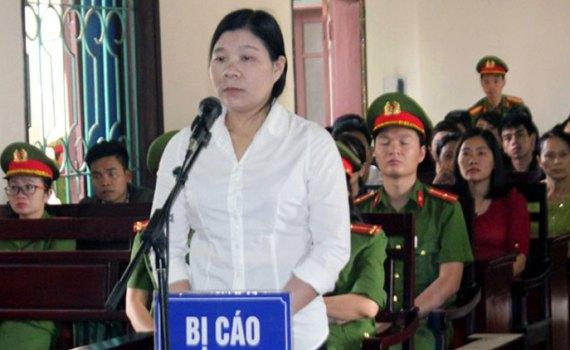 Tran-Thi-Xuan-at-her-unannounced-April-12-trial_Source_AFP